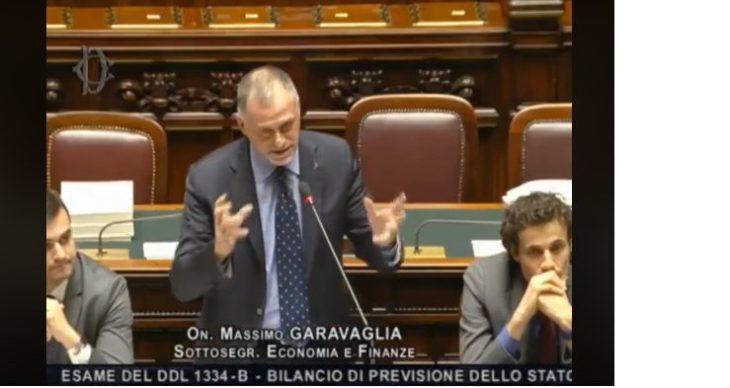 La presentazione della finanziaria da parte di Massimo Garavaglia per il Governo. (Video)