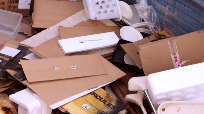Amazon France, e la distruzione di prodotti nuovi. La follia della New Economy