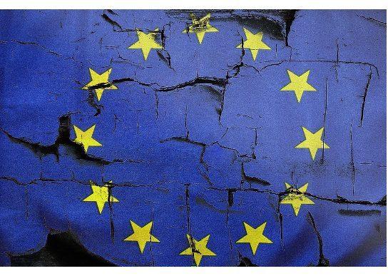 """Le manovre strategiche dei paesi """"europeisti"""" contro il resto d'Europa  (di Viola Ferrante)"""