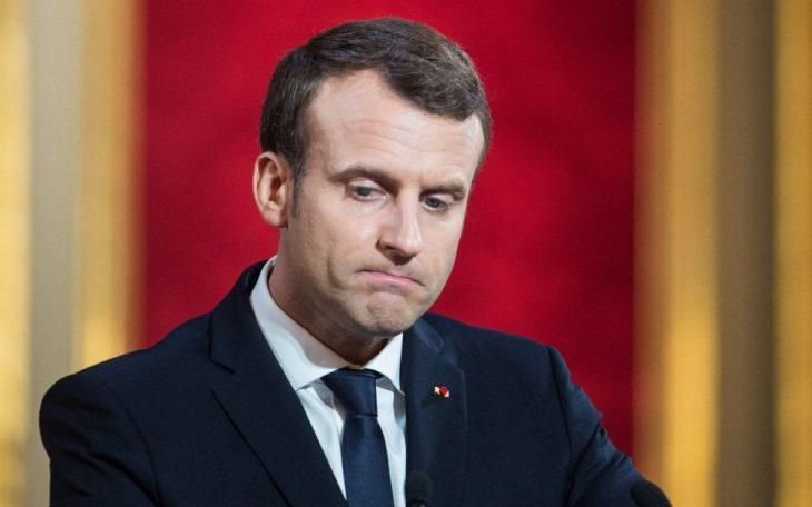 Macron: la faccia che fai quando il tuo partito personale ti dice di stare a casa