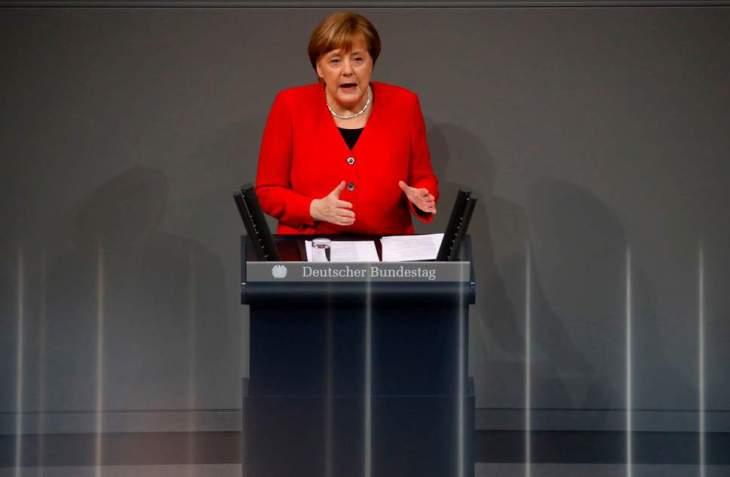 Caos Brexit: ora Merkel e Macron minacciano i parlamentari britannici