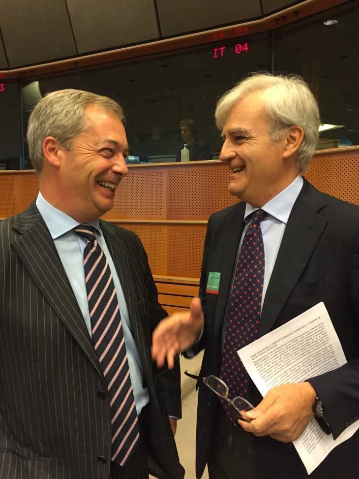Farage, su voto a von der Leyen M5S ha tradito gli elettori  'Movimento ora e' schierato a favore degli Stati Uniti d'Europa'