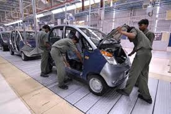 ANCHE L'INDIA IN CRISI : IMPRESSIONANTE CROLLO DEL MERCATO AUTO