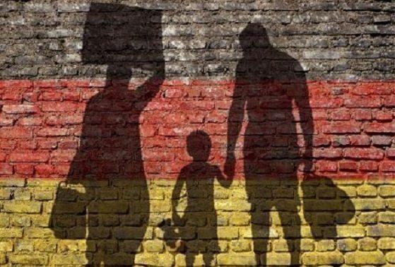 LA GERMANIA ESPELLE 16.808 RICHIEDENTI ASILO… QUANTI VERSO L'ITALIA?