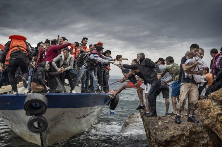L'EUROPA STA PER FRONTEGGIARE UN'INVASIONE DI MIGRANTI MAI VISTA. Noi ci arriviamo in mutande