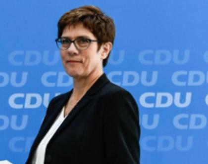 GERMANIA: Kramp-Karrenbauer lascia, CDU nel caos