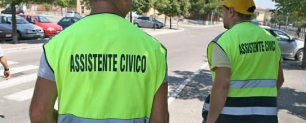 """Dagli """"assistenti civici"""" al divieto di baciarsi per strada: le follie dello """"Stato terapeutico"""" (VIDEO di G. Palma)"""
