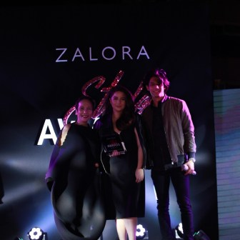 Fashion Designer of the Year Vania Romoff together with Gigi Mabanta, Head Buyer, ZALORA Philippines and Luis Hontiveros