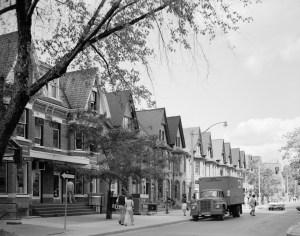 Yorkville Avenue Riverboat