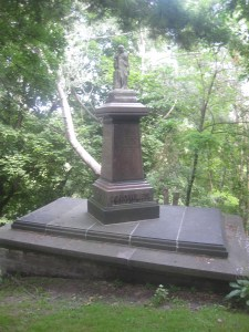 Toronto Necropolis (5)