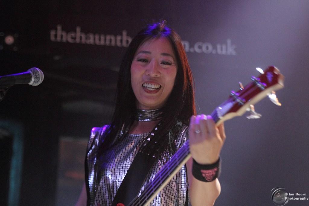Shonen Knife: Bass – Atsuko