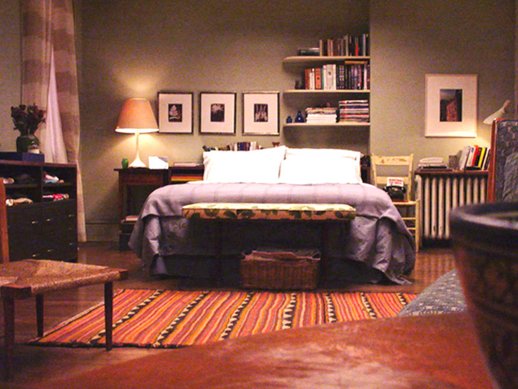 carrie bradshaw 39 s apartment from sex and the city scene. Black Bedroom Furniture Sets. Home Design Ideas
