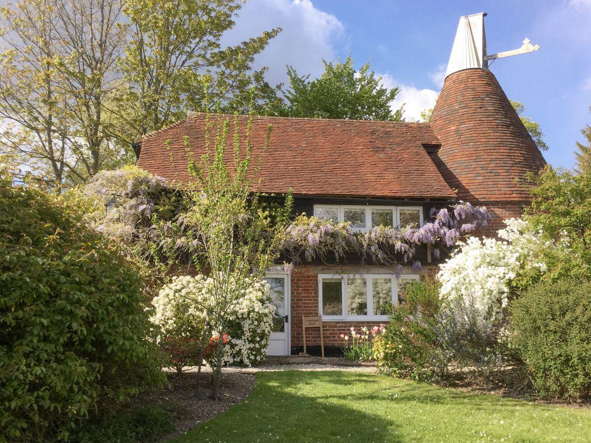 Oast House English Cottages Scene Therapy