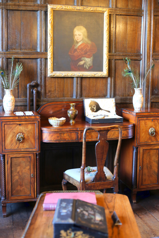 Tudor House Bramall Hall Dressing Table