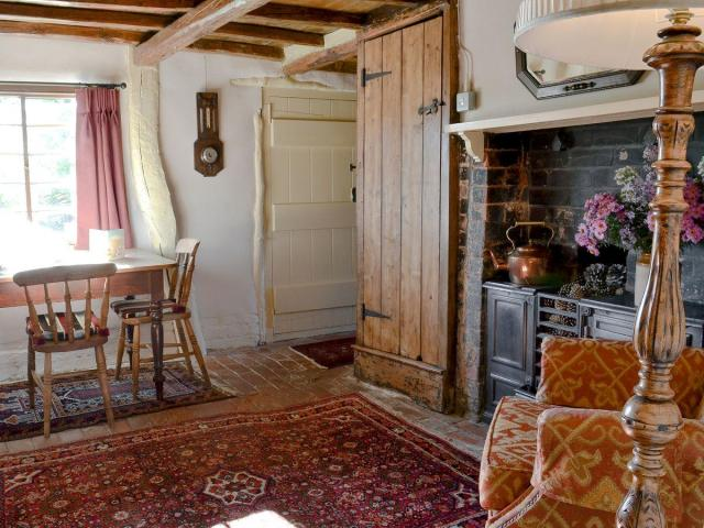 Real Word English Cottage Interiors Scene Therapy
