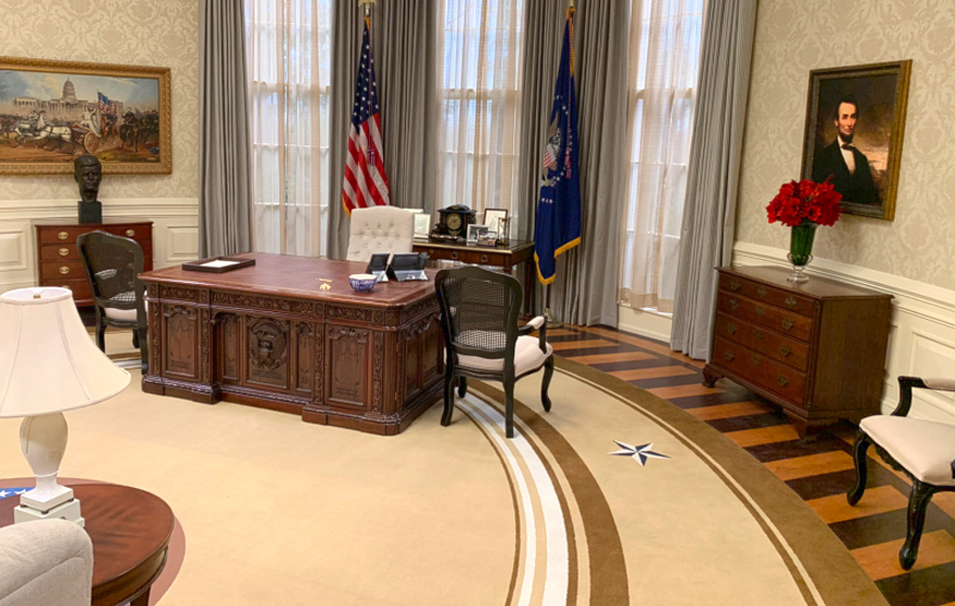 Groovy Veeps White House Oval Office Resolute Desk Scene Therapy Download Free Architecture Designs Itiscsunscenecom