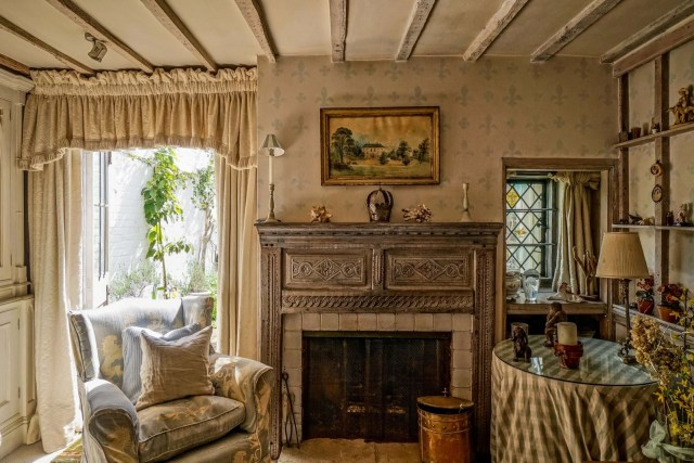Luxury Homes Rustic English Cottage For Sale Scene Therapy