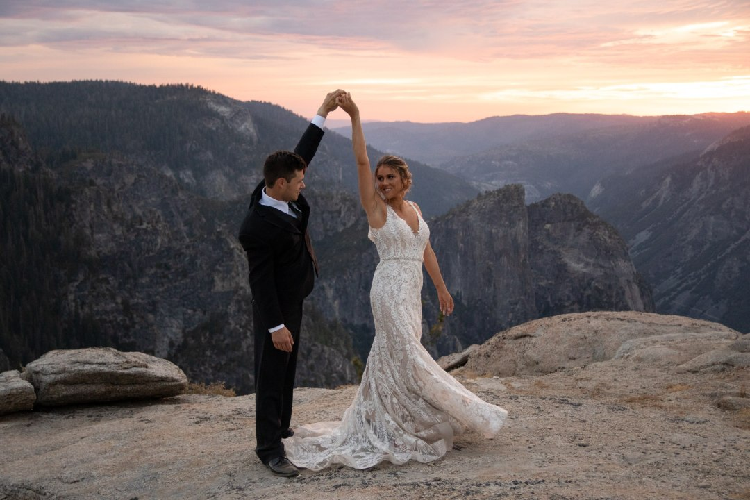 This couple added a first dance to their list of elopement ideas and it was beautiful!