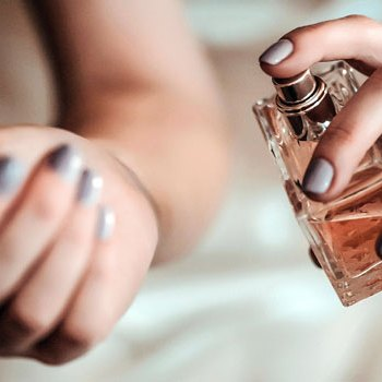 How Long Does Perfume Last on the Skin?