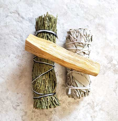 About Smudge Sticks, Why Smudge, Best Smudge Stick for Clearing Negative Energy