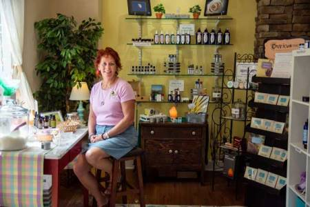 Melissa Curran, Certified Aromatherapist, Scented Balance Aromatherapy Shop, Winston-Salem, NC, custom blends