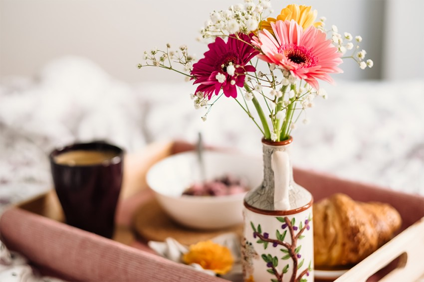 Photo of Breakfast in bed with flower
