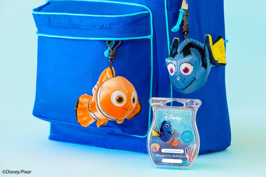 Photo of Nemo and Dori Buddy clips with bar