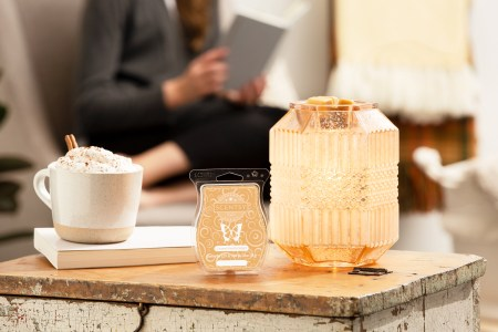 photo of scentsy hygge warmers