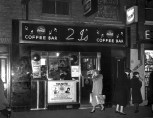 Mandatory Credit: Photo by Dezo Hoffmann / Rex Features ( 133333MV ) '2 IS' COFFEE BAR, OLD COMPTON STREET, SOHO, LONDON, BRITAIN - 1959 VARIOUS