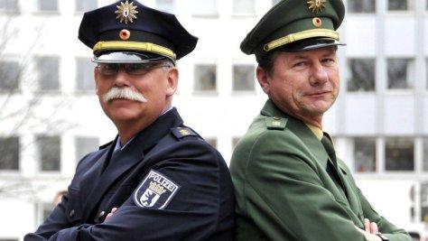 polizei-blau-und-grün