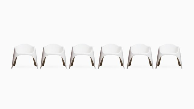 Walter Papst garden chairs in white fiberglass at Studio Schalling