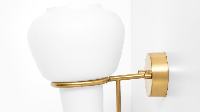 Hans-Agne Jakobsson wall lamp model V-24 at Studio Schalling