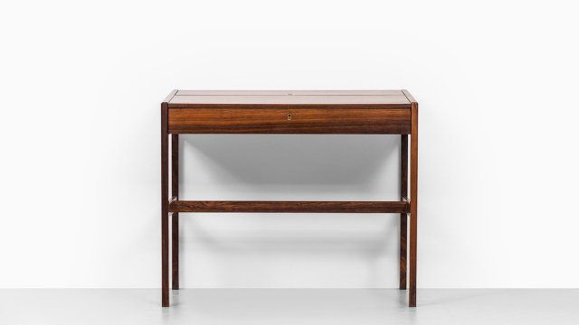 Arne Wahl Iversen desk / vanity model 82 at Studio Schalling
