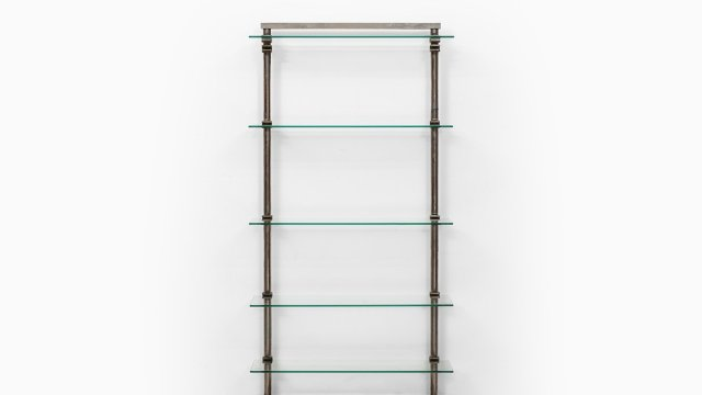 Industrial shelf in steel and glass at Studio Schalling