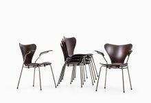 Arne Jacobsen dining chairs model 3107 & 3207 at Studio Schalling