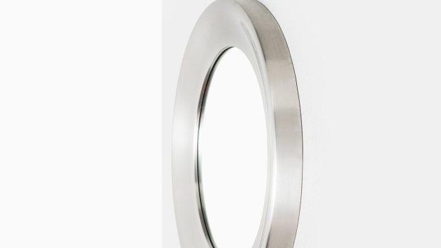 Round mirror in aluminium by Glasmäster at Studio Schalling