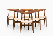 Hans Wegner dining chairs model W2 in oak at Studio Schalling