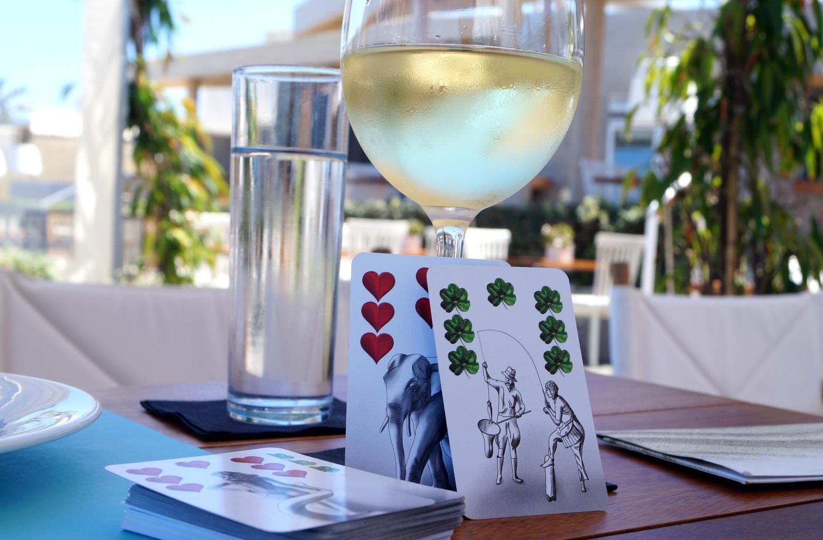 Kartenlegen im Urlaub