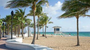 fllpm-attraction-beach-0058-hor-wide