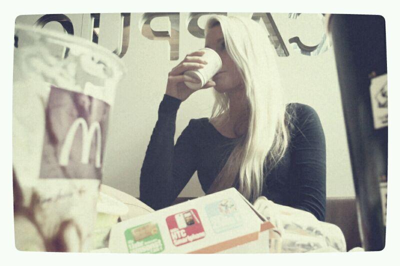 Kaffee im goldenem M