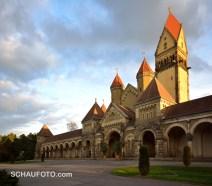 Südfriedhof. Krematorium mit beachtlicher Architektur.
