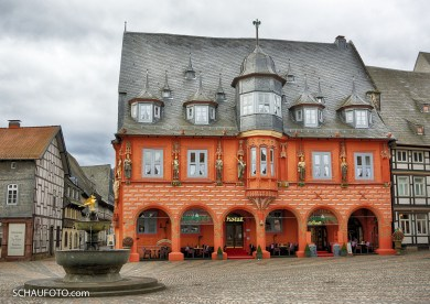 Prachtvoll: Kaiserworth (das ist nicht das Rathaus!)