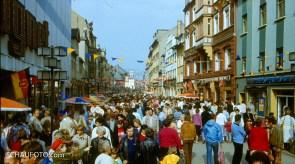 Getümmel in der Weißenfelser Jüdenstraße zur 800-Jahrfeier (1985)