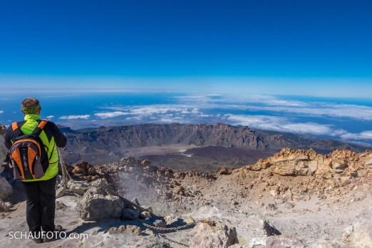 Die Mulde im Vordergrund ist der ganze Krater - ein Kraterchen, wenn man mich fragt.