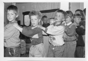 Dorfbilder Kindergarten April 1991019