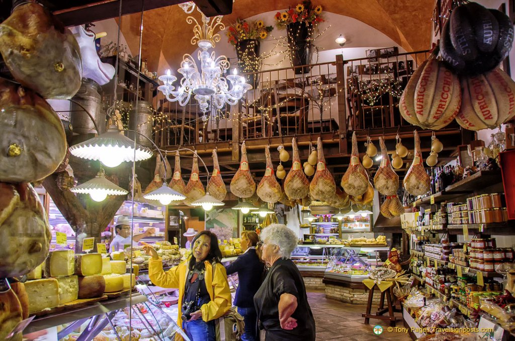 Top 10 Places to Visit in Italy Food Tour in Bologna