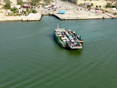 Fähre über den Suez Kanal