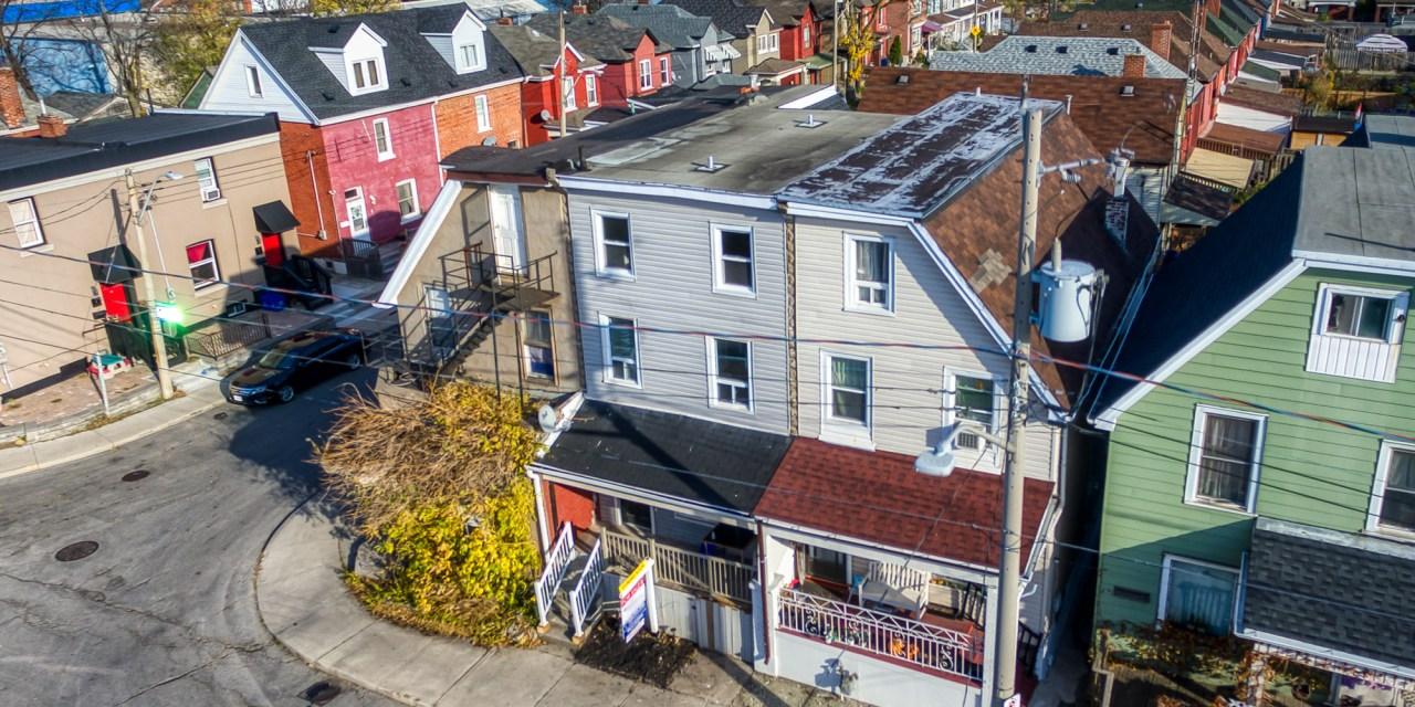 206 Sherman Avenue North – SOLD