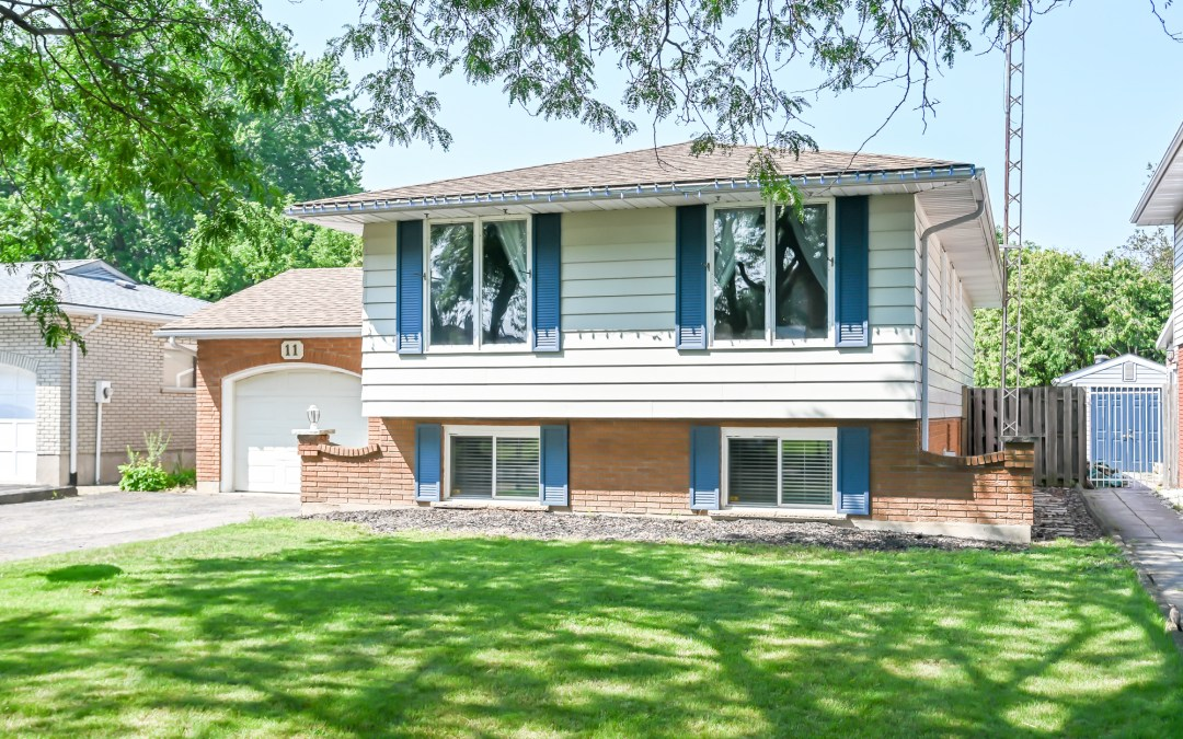 11 WESTGATE PARK Drive, St. Catharines