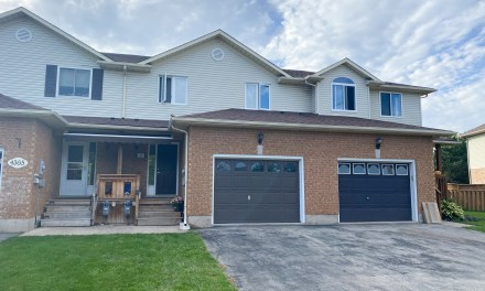 4367 BEVERLEY Crescent, Lincoln- For Lease
